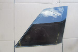 NISSAN R32 SkylineGTR REAR QUARTER WINDOW – UPGRADE – REPLACE – X1 – Right Side – OEM – Tinted